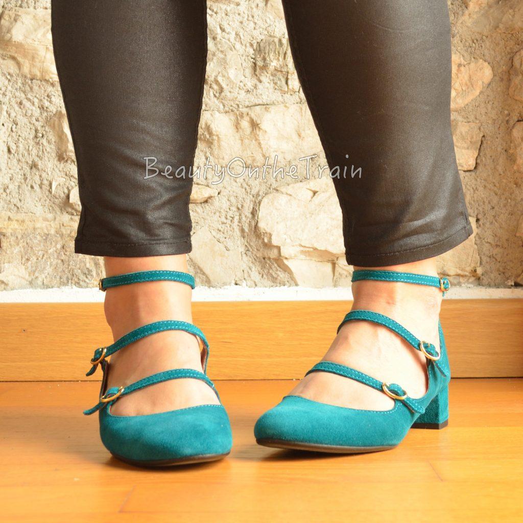 ballerine petrolio walter calzature indossate