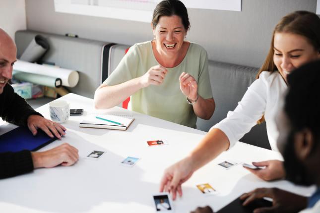 Interesujące sposoby na kreatywne spotkanie z przyjaciółmi