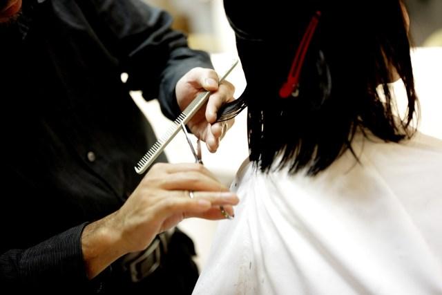 Jak pielęgnować włosy po lecie?