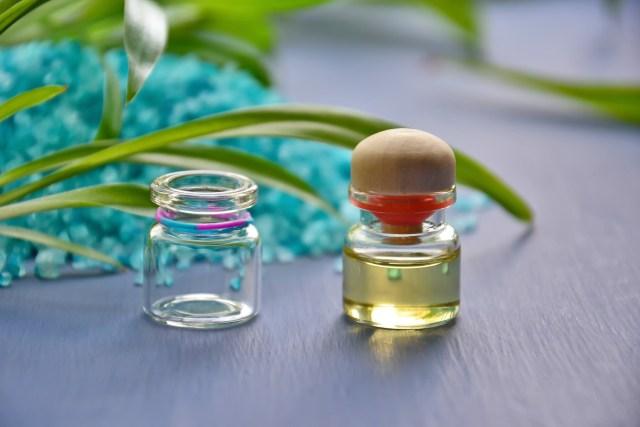 Jak olejek rycynowy wpływa na nasz wygląd?