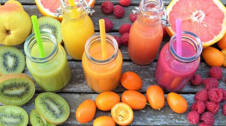 7 pomysłów na koktajle z warzyw i owoców