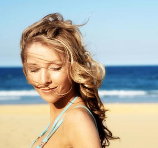 Beach waves hairdo 2