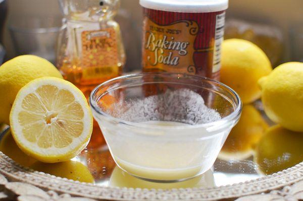 Baking Soda, Lemon Juice and Honey Scrub