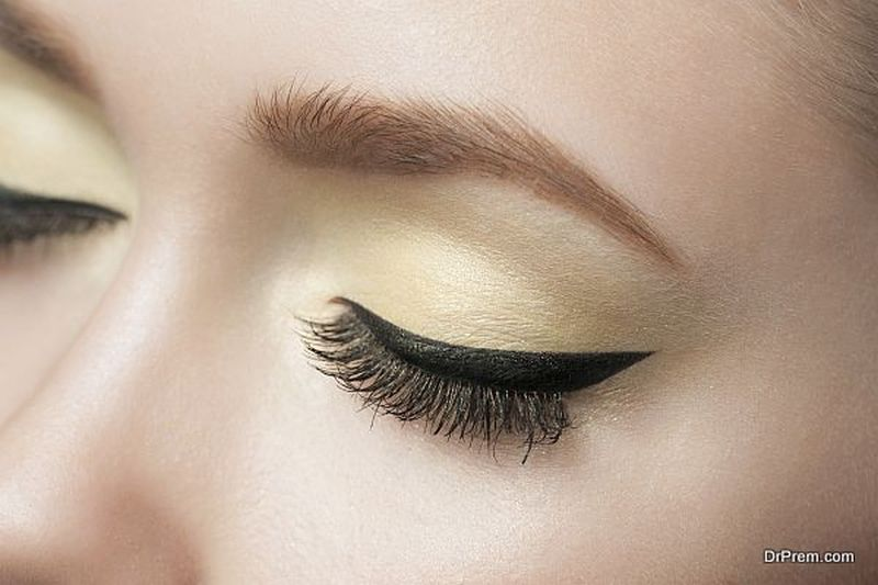 Use of kohl stick instead of eyeliner
