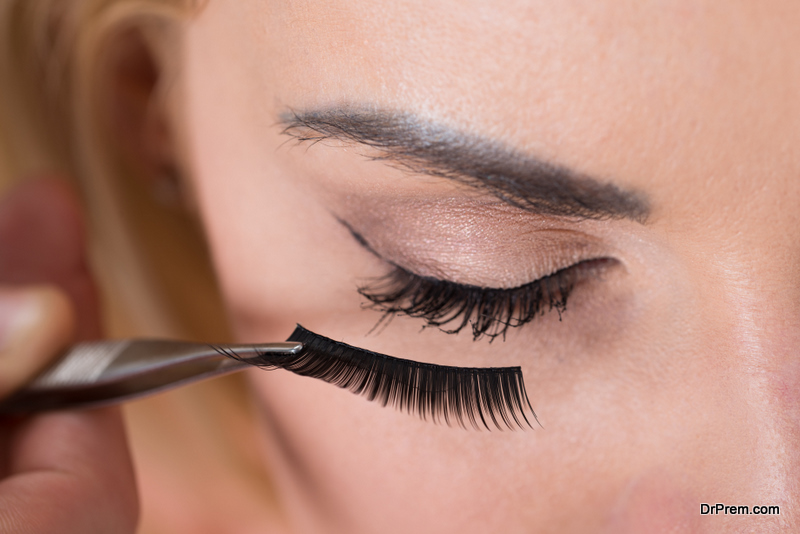 Pros and Cons of False Lashes