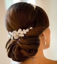 15 Wedding Hairstyles for Long Hair that Steal the Show