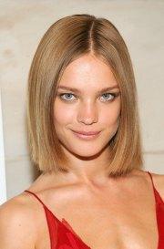 stylish shoulder length hairstyles