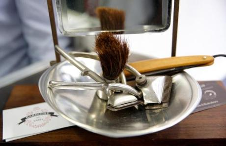 barbiere-La-Barbiere-de-Paris-strumenti