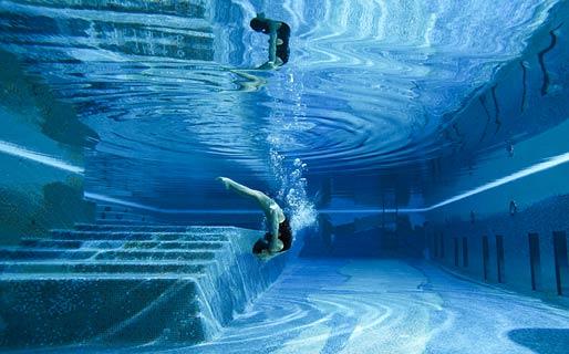 gambe-capri-palace-piscina