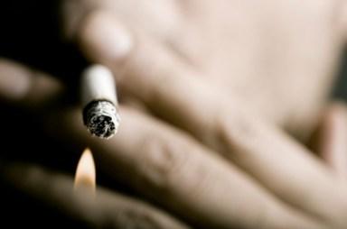 beauty-routine-Lorenzo-Brunetti-fumare