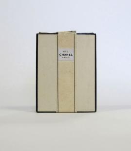 Il packaging originale del 1921 @Chanel Collection