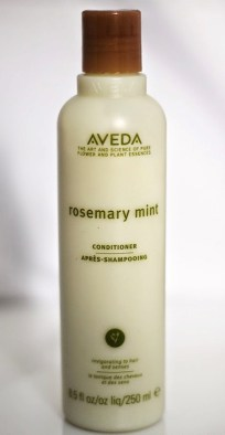 Beauty-routine-Silvia-Esposito-aveda_rosemery_mint__balsamo_conditioner_