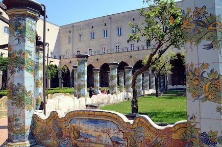 napoli-itinerari-olfattivi-gabriella-chieffo-profumi-Monastero-Santa-Chiara