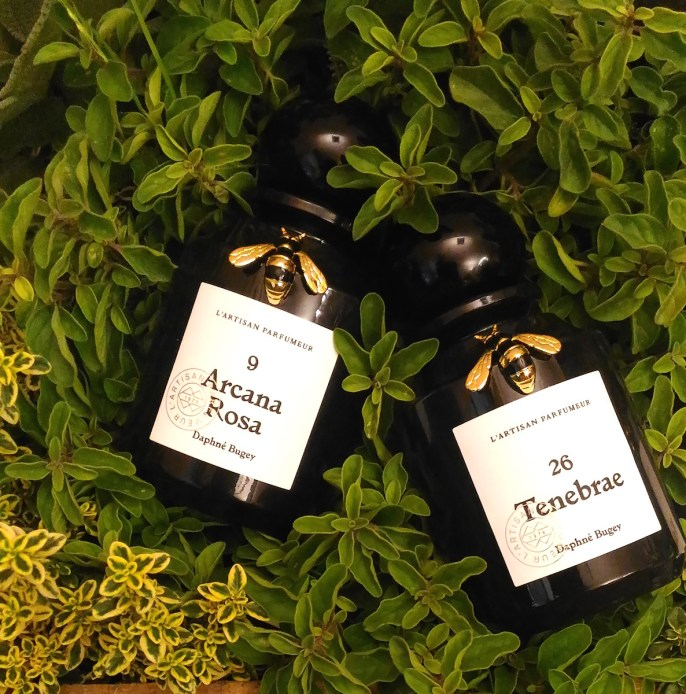 natura-fabularis-lartisan-parfumeur-profumi-arcana-rosa-tenebrae