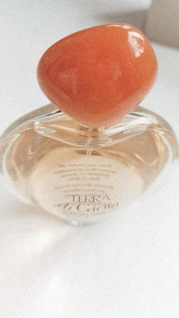 Летен аромат Terra Di Gioia на Giorgio Armani