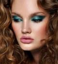 maquiagem-colorida-bela-center