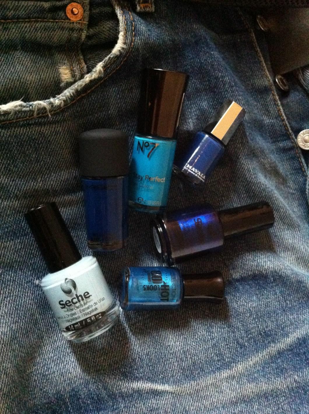 6 brillant blue nail polishes