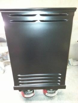 Front of speaker box for B3