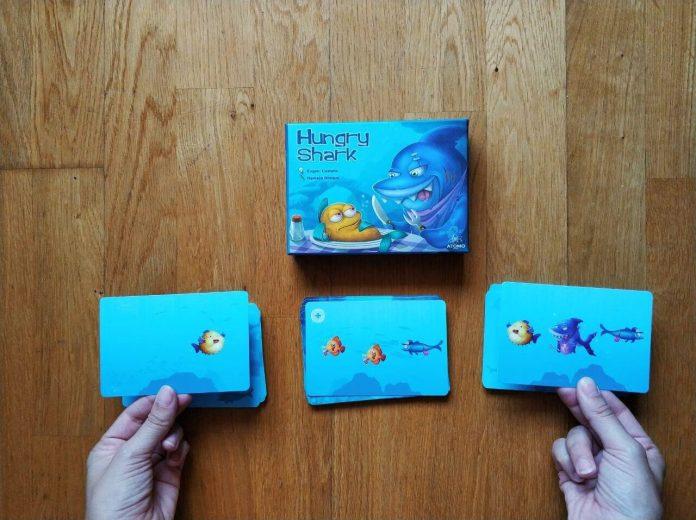 Volteo juego de cartas Hungry Shark 3