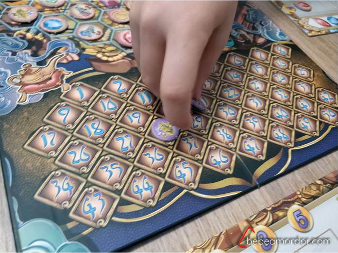 mano contabilizando puntos en Aladino