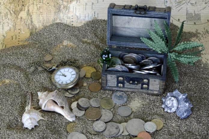 búsqueda del tesoro por casa para niños con pistas