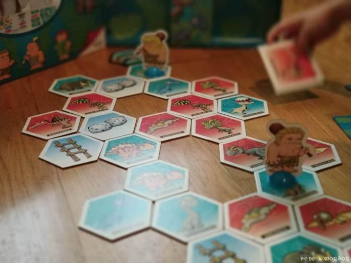 comparando loseta cuadrada levantada con loseta hexagonal