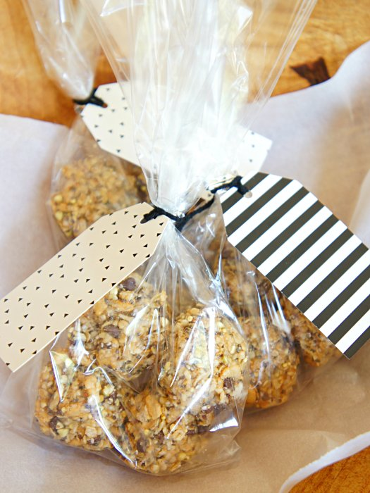 The Perfect Healthy Granola Bite. No bake. Great for toddlers and Kids.