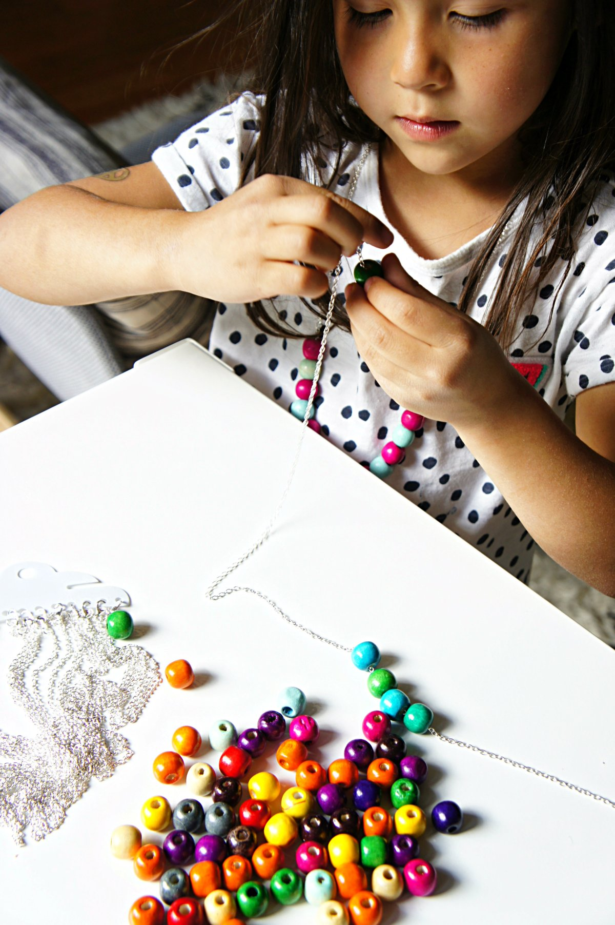 Fun DIY gumdrop bead necklace craft