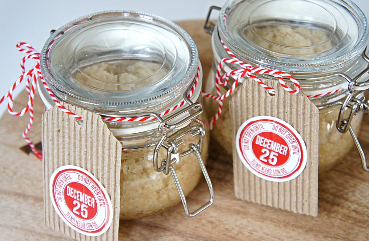 Peppermint Coconut Oil Sugar Scrub - Homemade