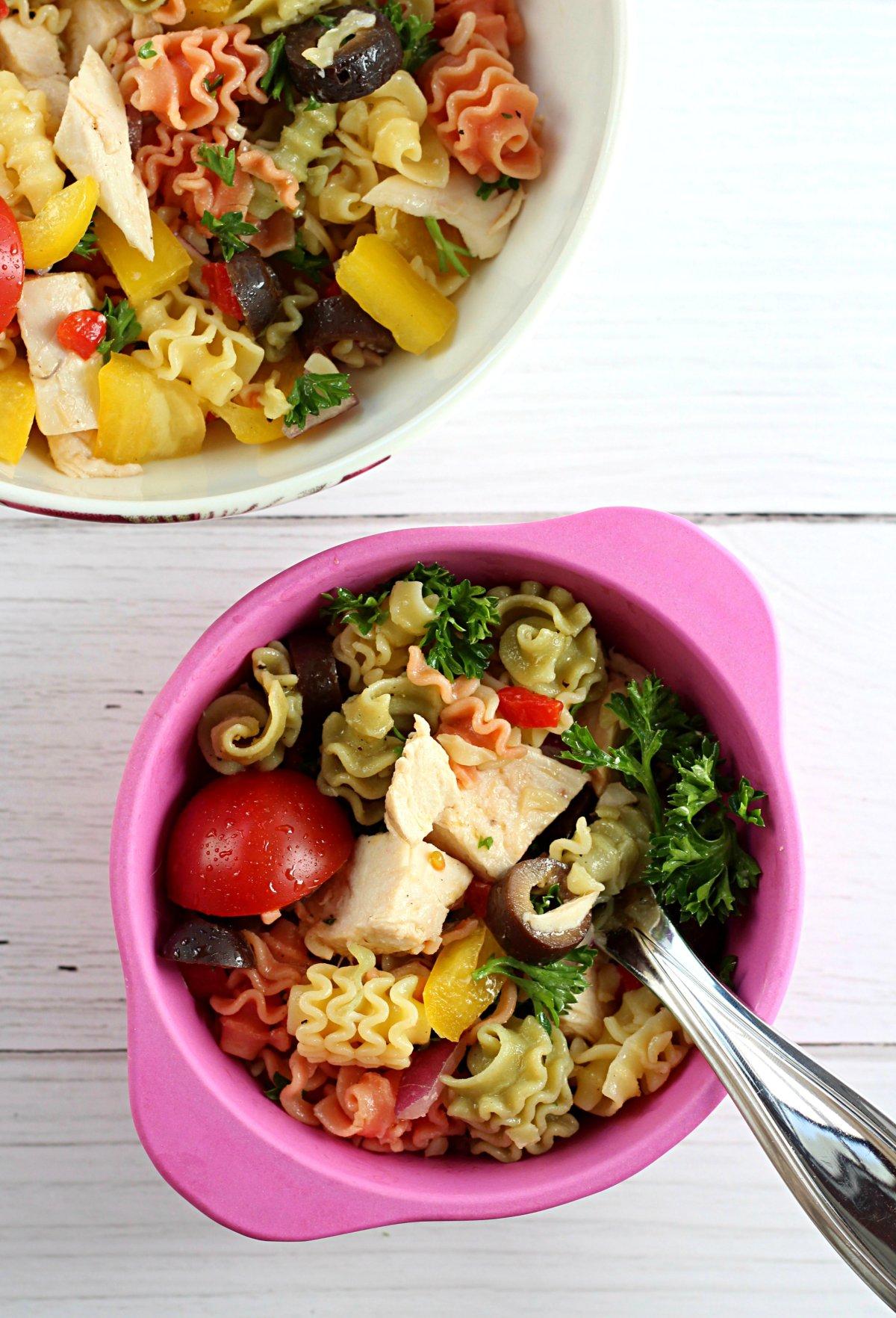 Healthy Quinoa Chicken Pasta Salad