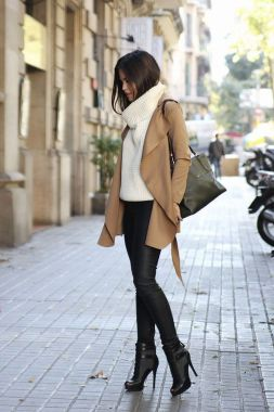 Casual Chic Women Outfits For Winter To Look Good 19