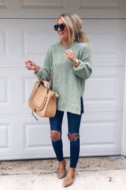 Casual Chic Women Outfits For Winter To Look Good 27