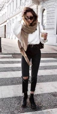 Casual Chic Women Outfits For Winter To Look Good 39