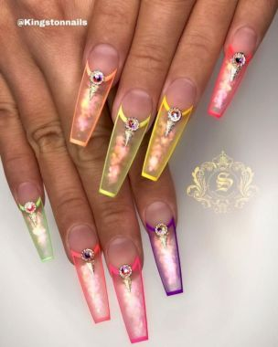 Cute Summer Nail Almond Design And Colours 40