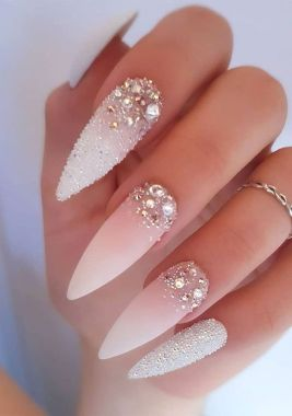 Cute And Chic Nail Design Ideas For Brides 17