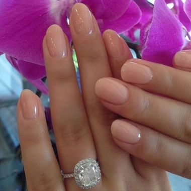 Cute And Chic Nail Design Ideas For Brides 31