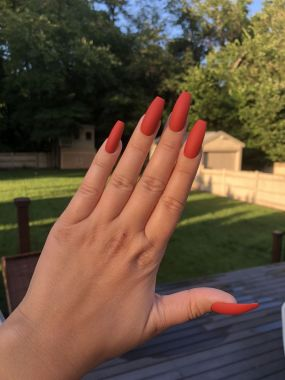 Pretty Acrylic Nails Ideas To Perfect Your Styles 01
