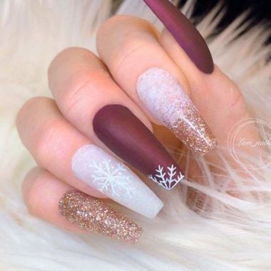 Pretty Acrylic Nails Ideas To Perfect Your Styles 05 1