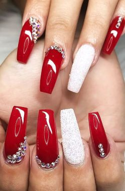 Pretty Acrylic Nails Ideas To Perfect Your Styles 26