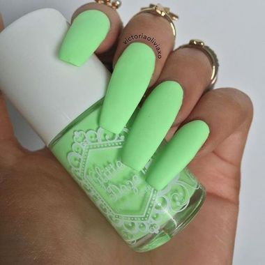 Pretty Acrylic Nails Ideas To Perfect Your Styles 33