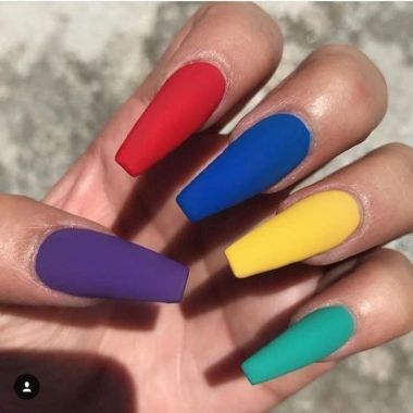 Pretty Acrylic Nails Ideas To Perfect Your Styles 37 2