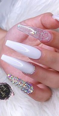 Pretty Acrylic Nails Ideas To Perfect Your Styles 41