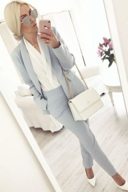 Inspiring Office Work Outfits Ideas To Wear This Spring 40