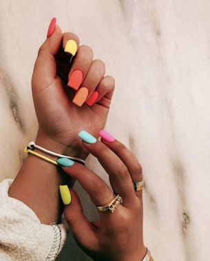 Populariest Summer Nail Colors Of 2020 17