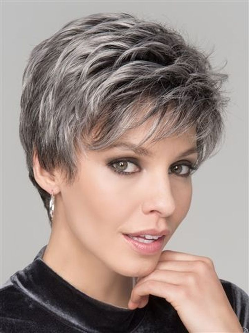 35 Best Short Haircuts For Women Over 50 With Fine Hair - Bebeautylife