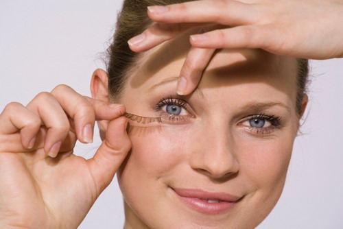 Best Tips to Choose the Right Artificial Eyelashes
