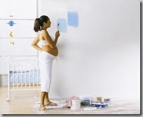 Anita Maternity - futura mama prepara quarto do bebe
