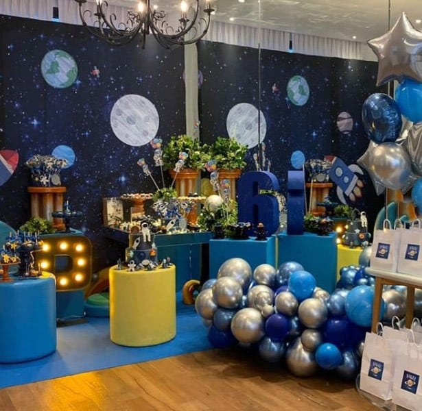singer Simaria's son wanted an astronaut-themed party