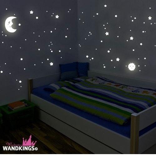 Los mejores adhesivos fluorescentes para niños: Pegatinas de estrellas, sol y luna