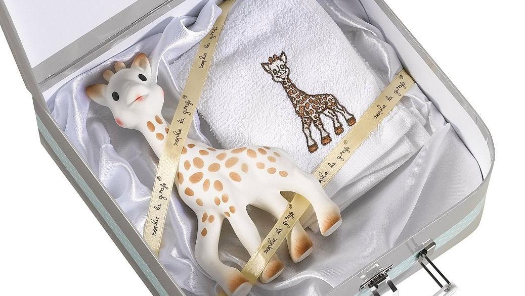 regalo para recin nacidos por menos de euros maleta de sophie la girafe